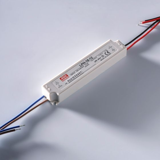 Transformator Sursa Profesionala de tensiune constanta Mean Well LPH-18-24 IP67 230V la 24V 0.75A 18W