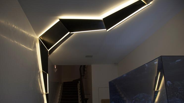 Banda Profesionala LED FlexOne500 poate taiata la fiecare LED (1cm) si astfel utilizata in multe proiecte unde alte benzi sunt prea lungi