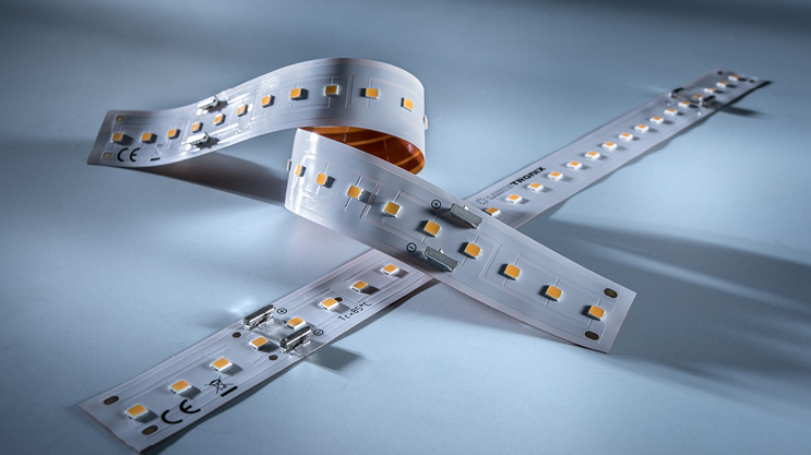 Professional Seoul Z-Flex single row LED strip 5.6m