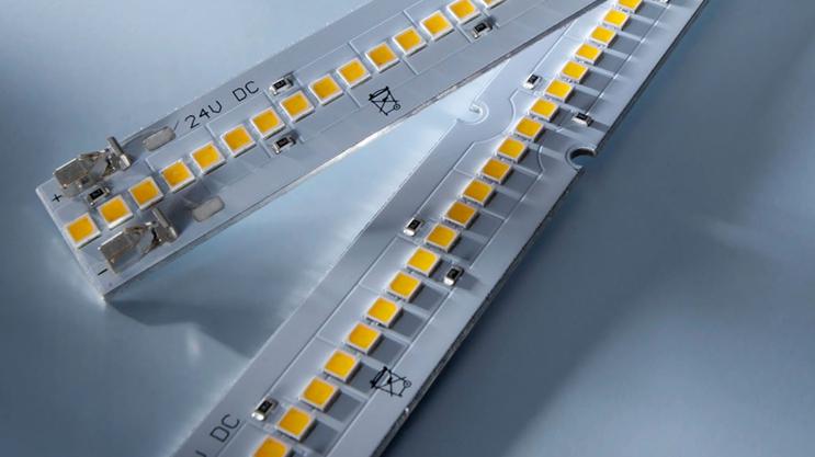 Benzi LED Nichia 757: Maxline cu flux luminos de pana la 8000 lm/m