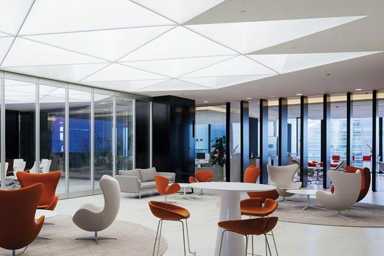 Iluminat general pentru aplicații comerciale și de afaceri cu plafon luminos